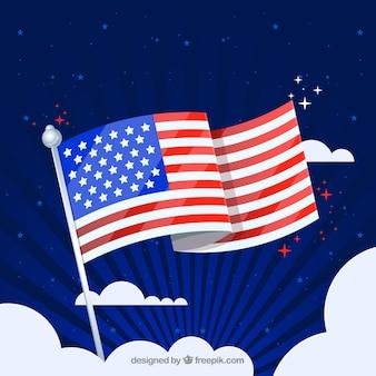 Flaga amerykańska macha na niebie
