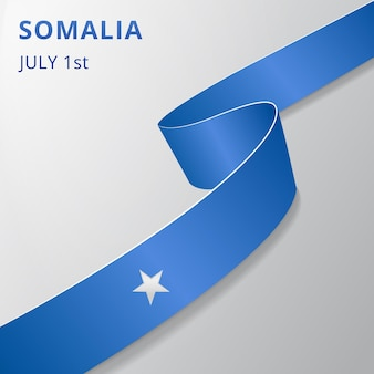 Flaga somalii. 1 lipca. ilustracja wektorowa. falista wstążka na szarym tle. dzień niepodległości. symbol narodowy. szablon projektu graficznego.