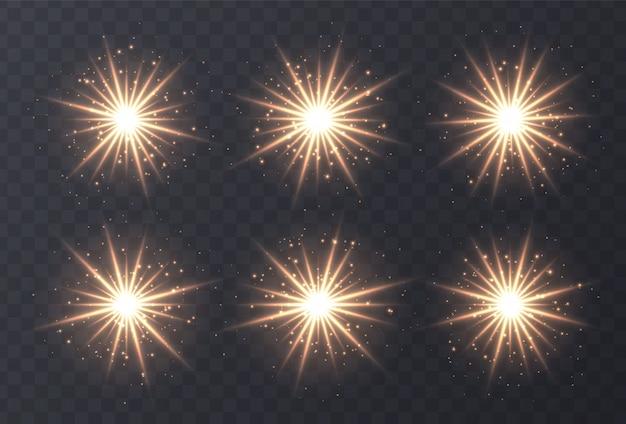 Flary ustawione na białym tle. rozbłysk złotej soczewki, bokeh, iskierki, błyszczące gwiazdy z kolekcją promieni. świecące efekt świetlny wektor. ilustracji wektorowych.
