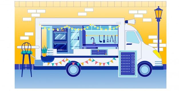 Food truck ze znakiem menu na targach food festival