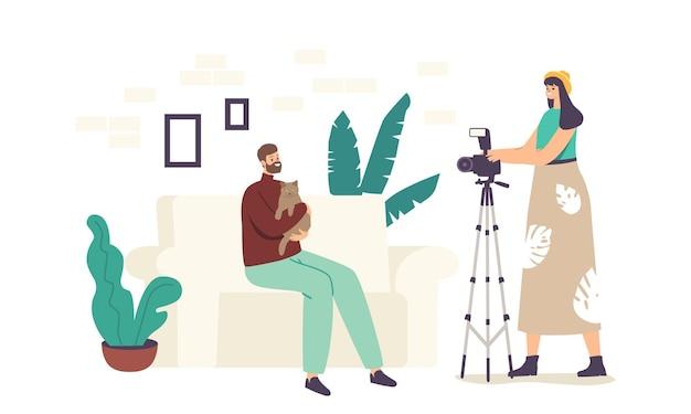 Fotograf postaci kobiecej zrobić zdjęcie człowieka przytulanie kota siedzącego na kanapie w studio z profesjonalnym sprzętem. sesja zdjęciowa zwierząt domowych, sesja zdjęciowa zwierząt domowych. ilustracja kreskówka wektor