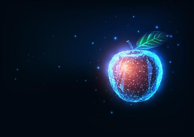 Futurystyczna biotechnologia, koncepcja inżynierii żywności ze świecącym niskim wielokątnym czerwonym jabłkiem na białym tle na ciemnoniebieskim tle. nowoczesna siatka druciana.