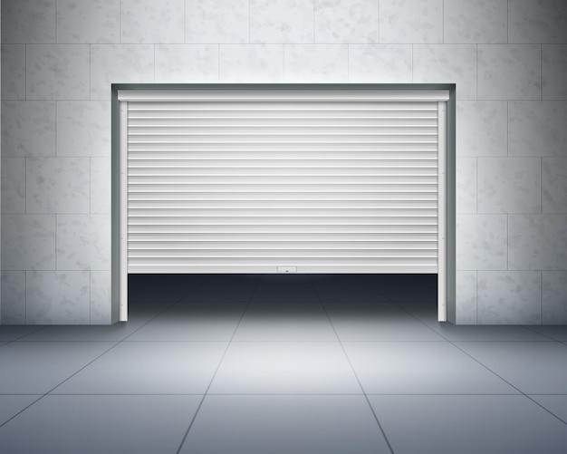 Garaż z betonowymi ścianami i podłogą wyłożoną szarymi kafelkami oraz otwieranymi drzwiami, roletą lub wejściem z ciemnym wnętrzem