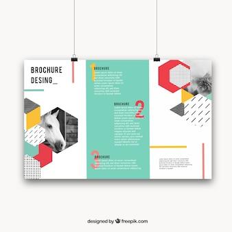 Geometryczna broszura z kolorowym stylem