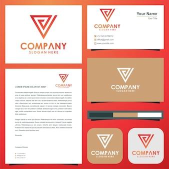 Geometryczne trójkątne litery e logo
