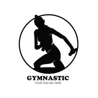 Gimnastyka sylwetka młoda kobieta gimnastyczka