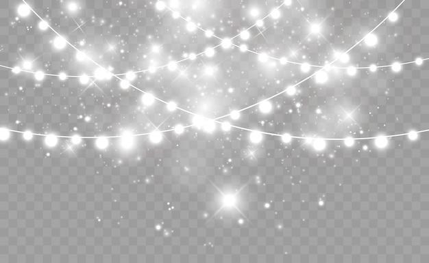 Girlanda światła na przezroczystym tle. piękna kompozycja girlandy.