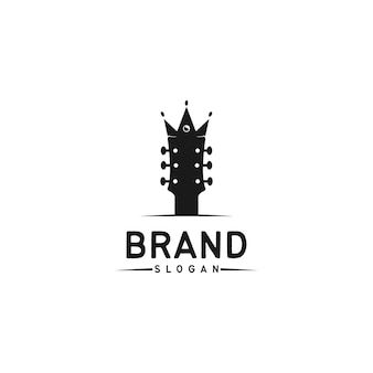 Gitara łączy się z koroną, logo firmy muzycznej w prostym stylu vintage.