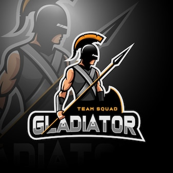 Gladiator trzymający włócznię i tarczę