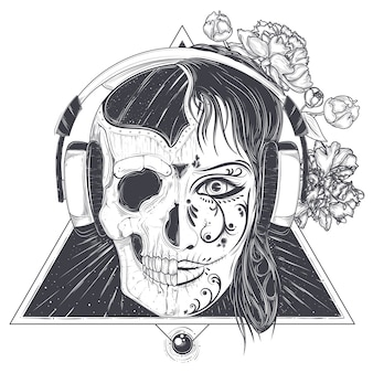 Głowę womans z grawerowaną czaszką pół twarzy