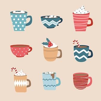 Gorąca herbata, zestaw filiżanek do kawy. elementy wektor ferie zimowe. komplet filiżanek w pastelowych, przytulnych kolorach. płaska konstrukcja