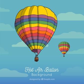Gorące powietrze balonowy tło w niebie