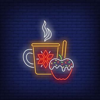 Gorący napój i jabłko w karmelu w neonowym stylu