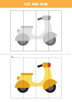 Gra w wycinanie i klejenie dla dzieci z motorowerem z kreskówek. ćwiczenie cięcia dla przedszkolaków.
