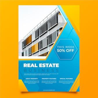 Gradientowy szablon plakatu nieruchomości ze zdjęciem
