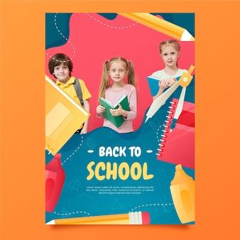 Gradientowy szablon plakatu pionowego z powrotem do szkoły ze zdjęciem
