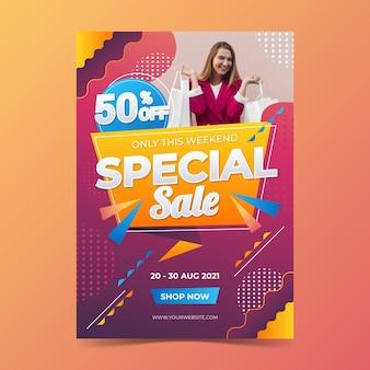 Gradientowy szablon plakatu sprzedaży pionowej ze zdjęciem