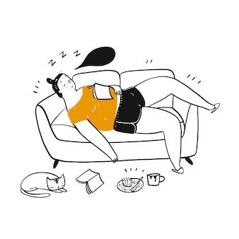 gruba kobieta spać na kanapie.