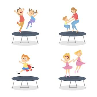 Grupa chłopców i dziewcząt skaczących na trampolinie. letnia aktywność. szczęśliwe dzieci bawią się. ilustracja w stylu kreskówki