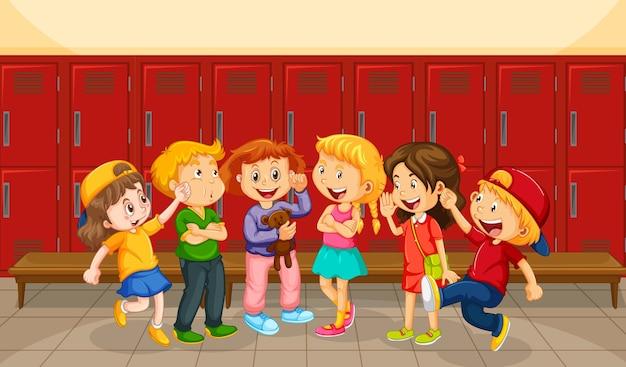 Grupa dzieci w przebieralni