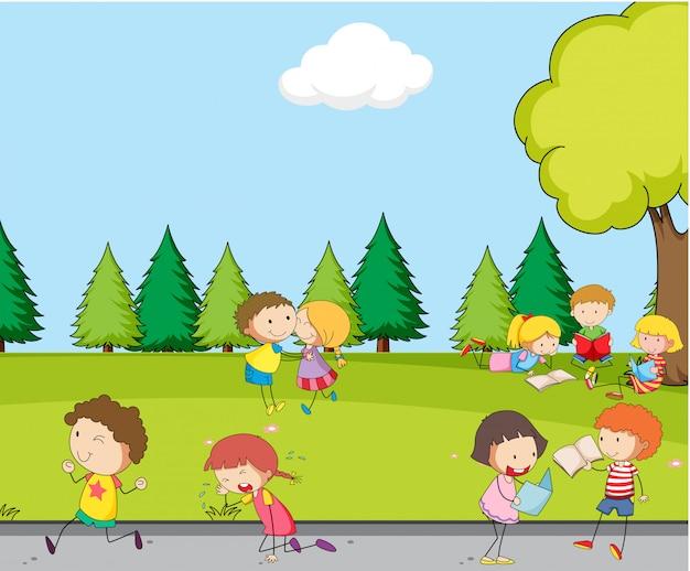Grupa dzieciaka w parku