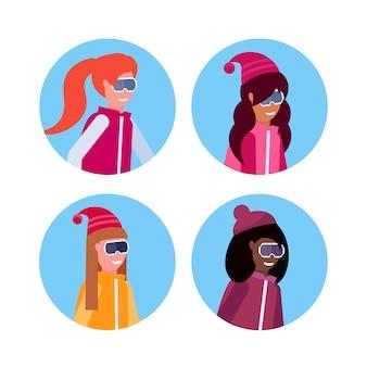 Grupa dziewcząt w odzieży zimowej