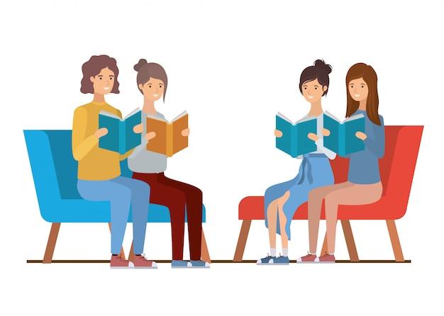 Grupa ludzi siedzi na krześle z książką w rękach