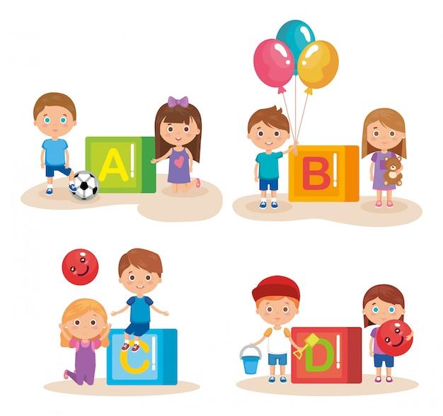 Grupa małych dzieci bawić się z blokami