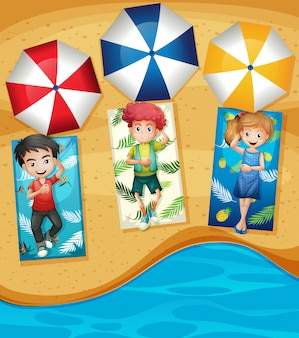 Grupa małych dzieci na plaży