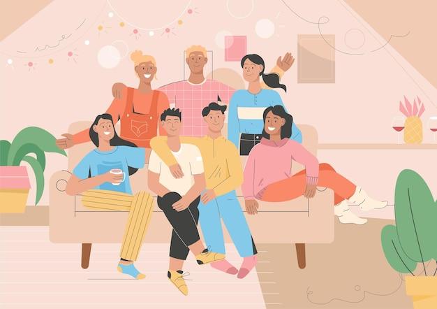 Grupa portret przyjaciół na imprezie w domu