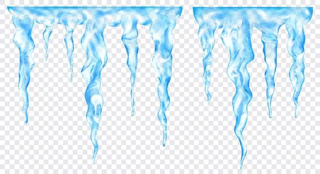 Grupa przezroczystych jasnoniebieskich realistycznych sopli o różnych długościach, połączonych u góry, na przezroczystym tle. przezroczystość tylko w formacie wektorowym