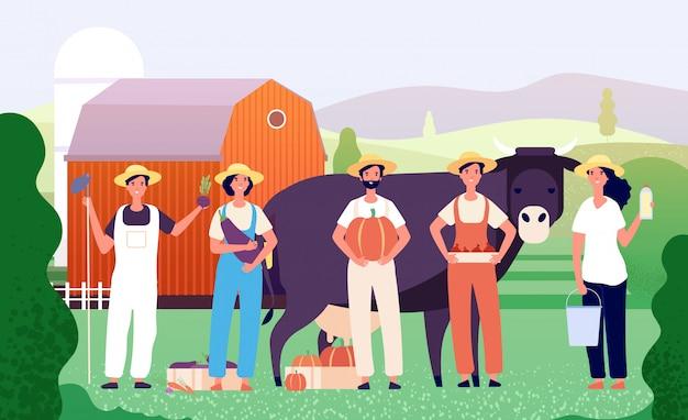 Grupa rolników. pracownicy rolni, zespół rolników stojących wraz ze świeżym jedzeniem w polu.