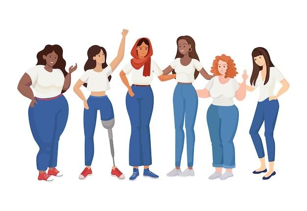 Grupa stojących kobiet różnych rozmiarów i ras
