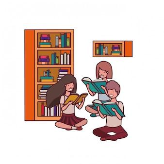 Grupa uczeń z czytelniczą książką