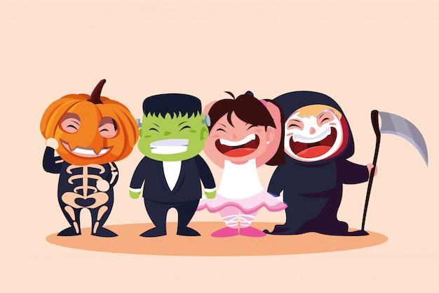 Grupowe słodkie dzieci przebrane na halloween