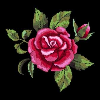 Haft z czerwoną różą