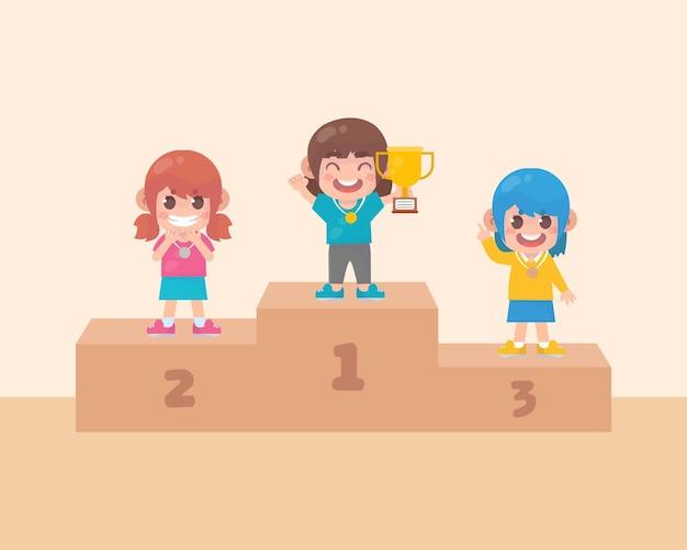 Happy cute kids girl świętują zwycięstwo