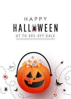Happy halloween pionowy baner promocyjny z torbą z dyni cukierków, kolorowe cukierki, nietoperze, pająk na białym tle. leżał płasko, kopia przestrzeń