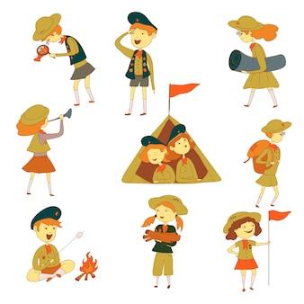 Harcerze na wędrówce. chłopcy i dziewczęta w namiocie, przy ognisku, z flagą i dywanikiem. ilustracja na białym tle.