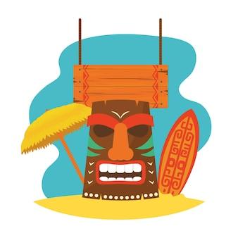Hawajska maska tiki z deską surfingową i parasolem