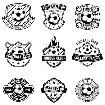 Herby klubu piłki nożnej na białym tle. odznaki piłkarskie. element na logo, etykietę, godło, znak, odznakę. ilustracja