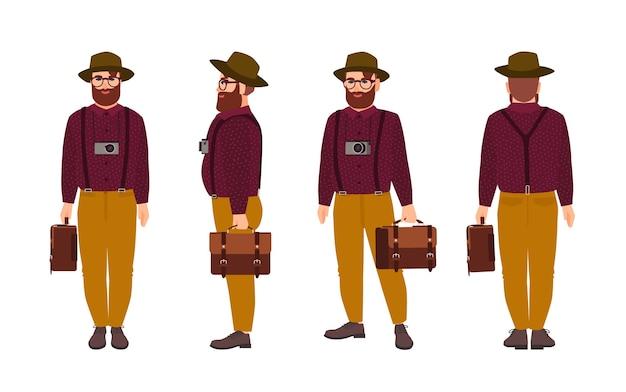 Hipster mężczyzna ubrany w spodnie z szelkami, koszulę i kapelusz, niosący teczkę i aparat fotograficzny w różnych pozycjach