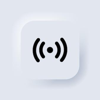 Ikona sieci bezprzewodowej i wifi. symbol sygnału wi-fi. wifi bezprzewodowy sygnał wizualizacji ikony. zbieranie zdalnego dostępu do internetu. biały przycisk sieciowy interfejsu użytkownika neumorphic ui ux. neumorfizm. wektor eps 10.