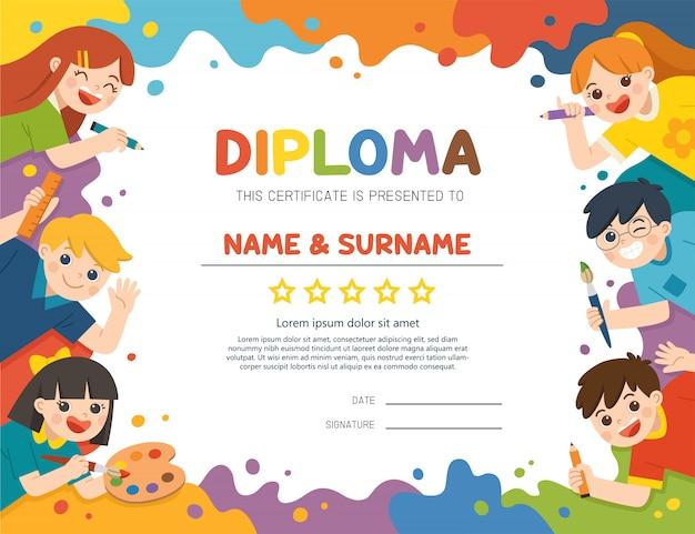 Ilustracja dyplomu dla dzieci certyfikatu, słodkie dzieci bawią się i gotowe do wspólnego malowania.