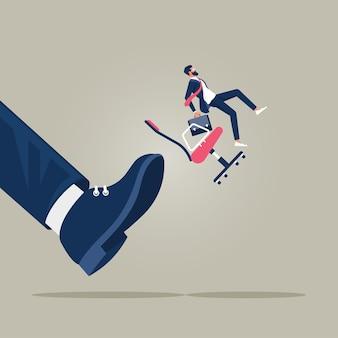 Ilustracja koncepcji biznesowej mały biznesmen wyrzucony przez duże stopy
