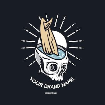 Ilustracja lato czaszki i surfowania