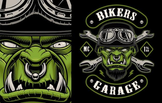 Ilustracja motocyklisty charakter ze skrzyżowanymi kluczami na ciemnym tle. warstwy, tekst i inne elementy znajdują się w osobnych grupach.