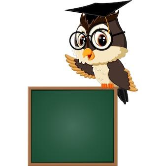 Ilustracja nauczyciel sowa na tablicy