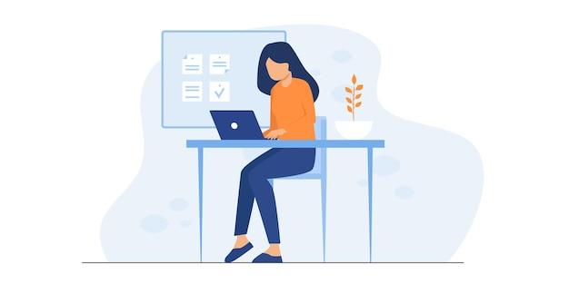 Ilustracja pracownik biurowy. kobiety w pracy. praca w domu prezentacja kreatywnych ludzi. zespół firmy pracujące razem przy dużym biurku za pomocą laptopów. płaska ilustracja.