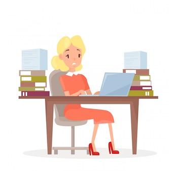 Ilustracja pracującej kobiety biznesu przy biurku z laptopem i dużą ilością dokumentów. kobieta w biurze w stresie. kierownik zmęczony i pracujący na komputerze, zestresowana dziewczyna w stylu cartoon mieszkanie.